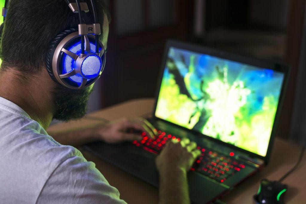 68_Gaming_Laptop_vgk6de